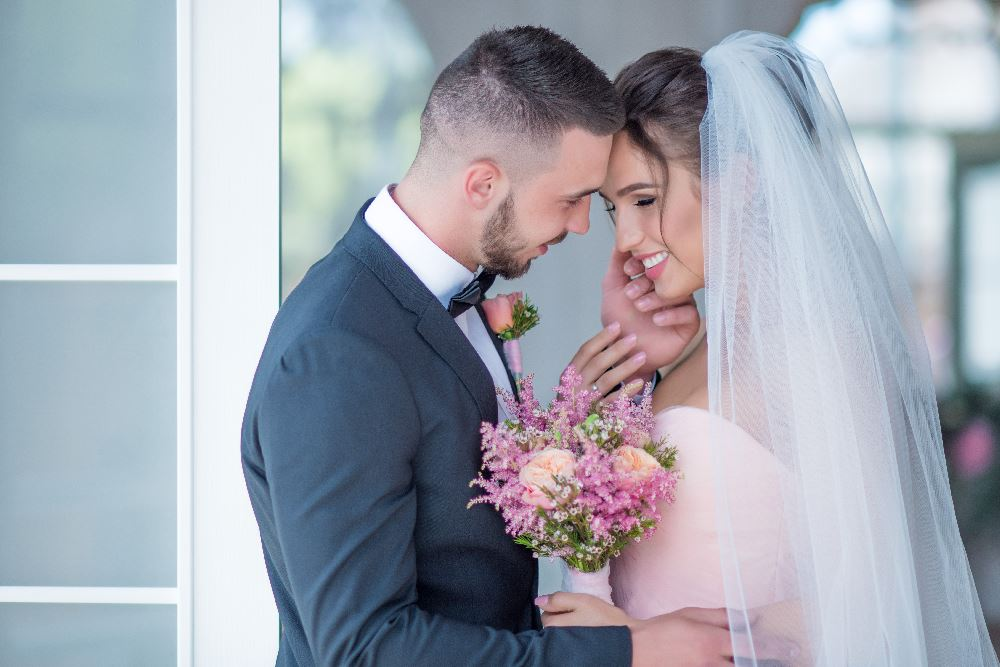 Cyrus Roussilhes - Perth Wedding Photographer, Coach, Author